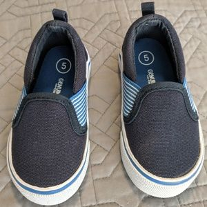 Toddler boy slip-on sneakers